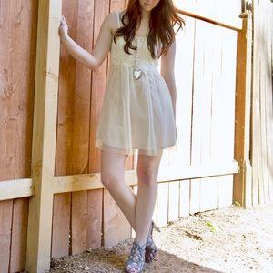 EUC TCEC Ivory Cream Lace Dress Size Medium